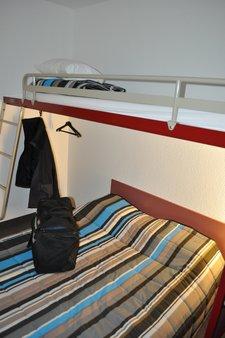 Doppelbett unten und Etagenbett
